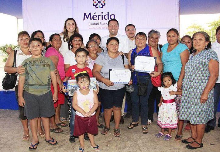 El alcalde Mauricio Vila clausuró las Jornadas de Rescate de Valores y Tradiciones, y el concurso 'Frente Limpio'. (Foto cortesía del Ayuntamiento de Mérida)