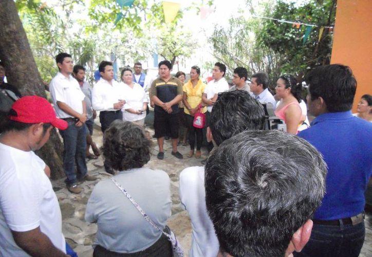 Locatarios inconformes se reunieron con el alcalde y funcionarios estatales. (Lanrry Parra/SIPSE)