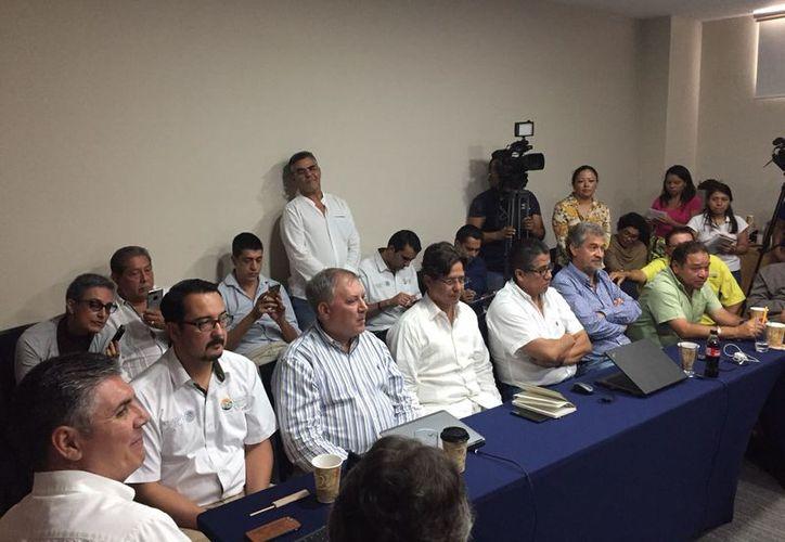 Representantes de grupos ambientalistas y del sector hotelero de Isla Chica, además de SEMA, estuvieron en contra del proyecto presentado. (Foto: Paola Chiomante/SIPSE)