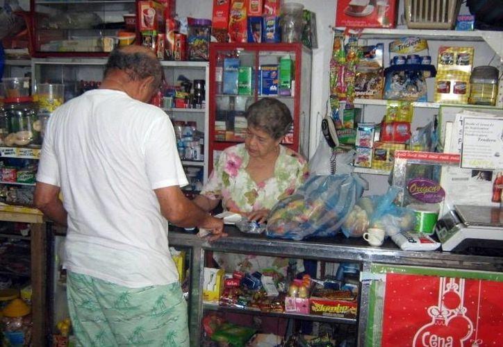 En las tiendas de la esquina, el 30% de los productos presentaron aumento de precios debido a los nuevos impuestos. (Imagen de referencia/SIPSE)
