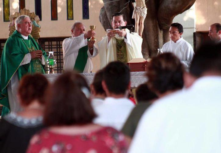 El próximo sábado será la Jornada Mundial del Enfermo y el Arzobispo Gustavo Rodríguez Vega celebrará la misa de la Pastoral de la Salud en la que se pedirá por la atención espiritual de los enfermos. (Milenio Novedades)