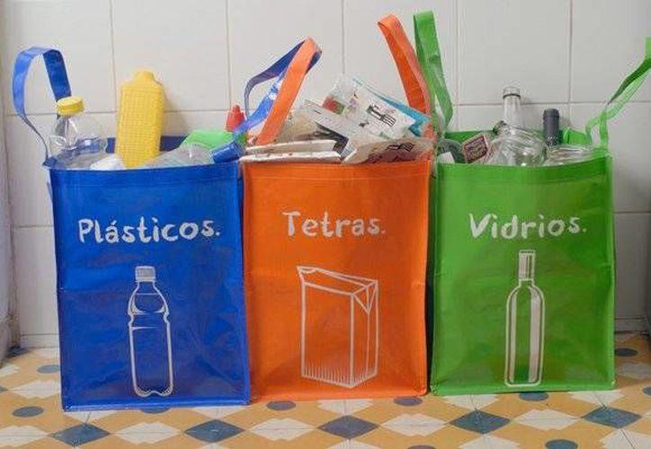 La Siresol ofrece pláticas en empresas y escuelas sobre la separación de residuos sólidos urbanos. (Contexto/Internet)
