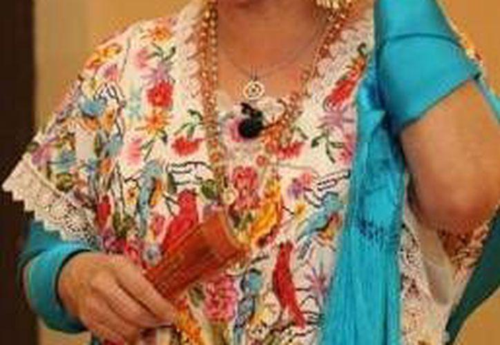La actriz Tina Tuyub se presenta en una de las obras teatrales en el marco del Mérida Fest 2014. (Milenio Novedades)