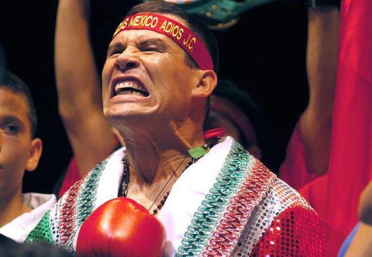 Julio César Chávez dijo adiós en la entonces denominada American West Arena, de Phoenix, Arizona. (EFE)