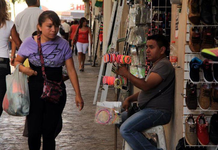 Los trabajos informales minan la competitividad del país. (Milenio Novedades)