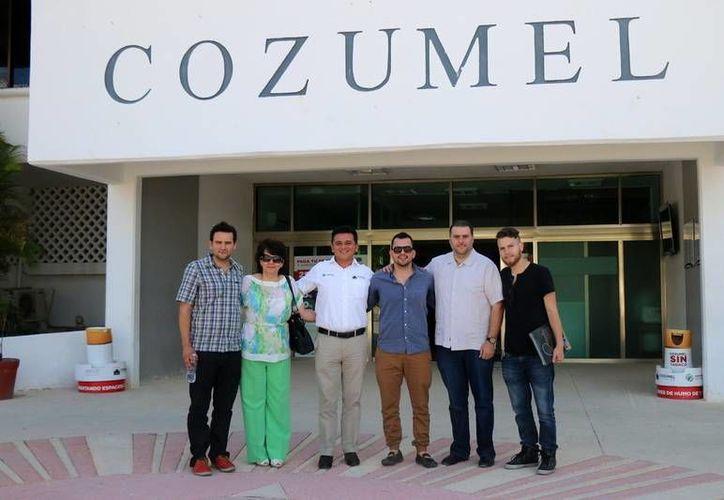 El ganador llegó acompañado de su familia a Cozumel. (Cortesía)