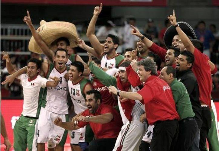 La selección mexicana ganó la medalla de oro en el Campeonato FIBA Américas de 2013 y buscará ser la sorpresa en el Mundial de basquetbol que se disputará en España. (mediotiempo.com)