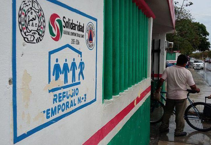 Protección Civil inició la revisión de los edificios que en años anteriores han sido refugios anticiclónicos. (Daniel Pacheco/SIPSE)