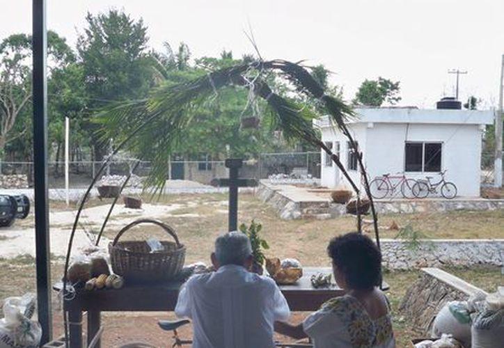 Los más ancianos de la comunidad determinan con cierta precisión las cuatro estaciones del año y advierten a quienes tienen parcelas sobre los tiempos que tienen para sembrar. (Manuel Salazar/SIPSE)