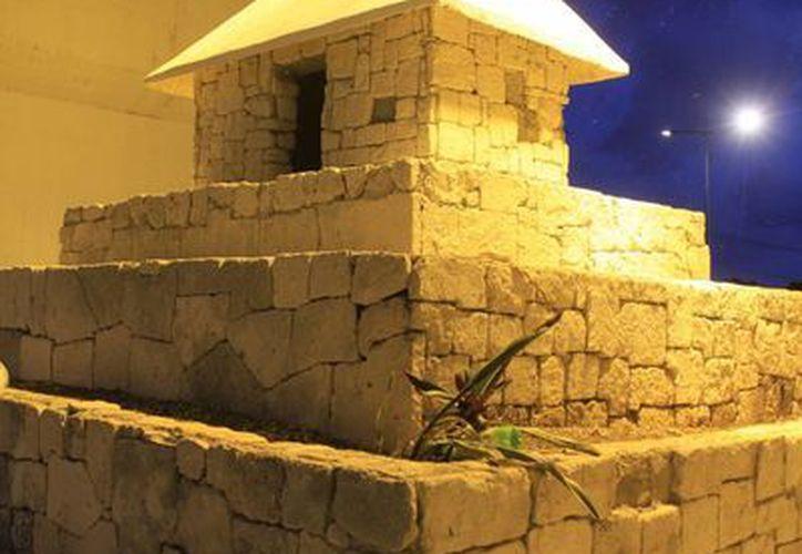 La casa de los aluxes, se ubica debajo del puente Cancún-Nizuc. (Sergio Orozco/SIPSE)