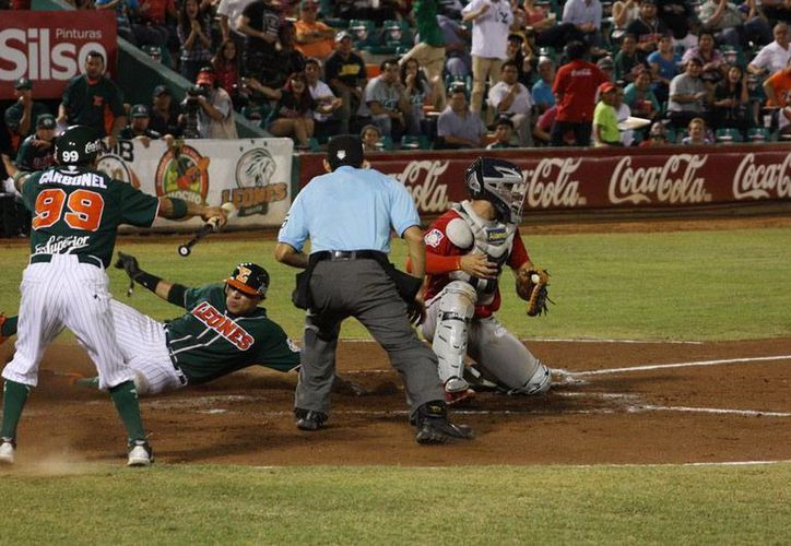 Leones de Yucatán derrotó a Piratas de Campeche en el segundo partido de la serie de la Temporada 2015 de la Liga Mexicana de Beisbol. (Milenio Novedades)