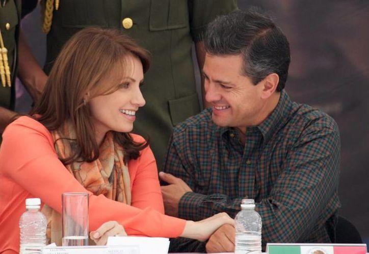 La presidenta del DIF nacional agradeció a su esposo –el presidente- por todo el apoyo que da a las madres mexicanas. (presidencia.gob.mx)