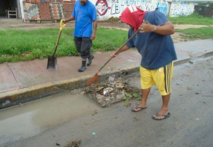 En el operativo participan 35 hombres que trabajan en los 55 puntos críticos en la ciudad. (Gerardo Amaro/SIPSE)