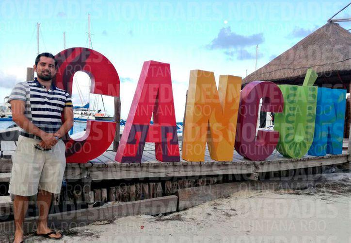 """""""Le tengo mucho cariño a Cancún, hace poco entré a un grupo donde suben fotografías antiguas de la ciudad y ahí me paso un gran rato recordando"""". (Claudia Olavarría/SIPSE)"""