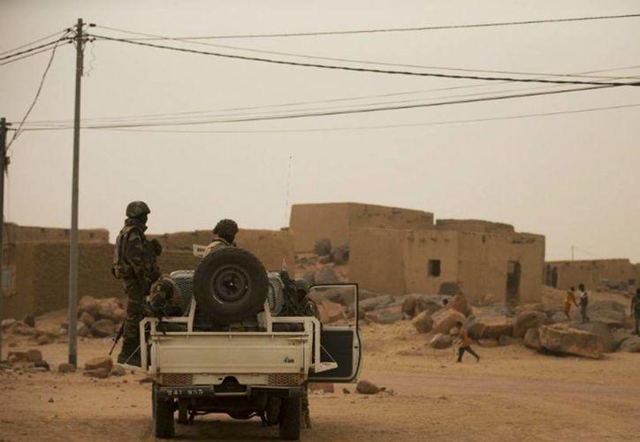 En el desierto del norte de Mali operan varios grupos armados, traficantes de drogas y yihadistas. (AP/ARCHIVO)