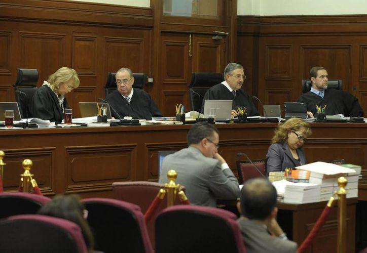 La Corte indicó que la facultad de la autoridad de revisar los estados de cuenta del contribuyente se encuentra en el Código Fiscal de la Federación. (Archivo/Notimex)