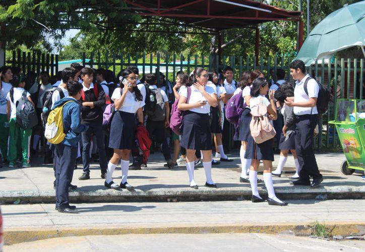 Los estudiantes retornarán a las aulas hasta el martes 19. (Novedades Yucatán)