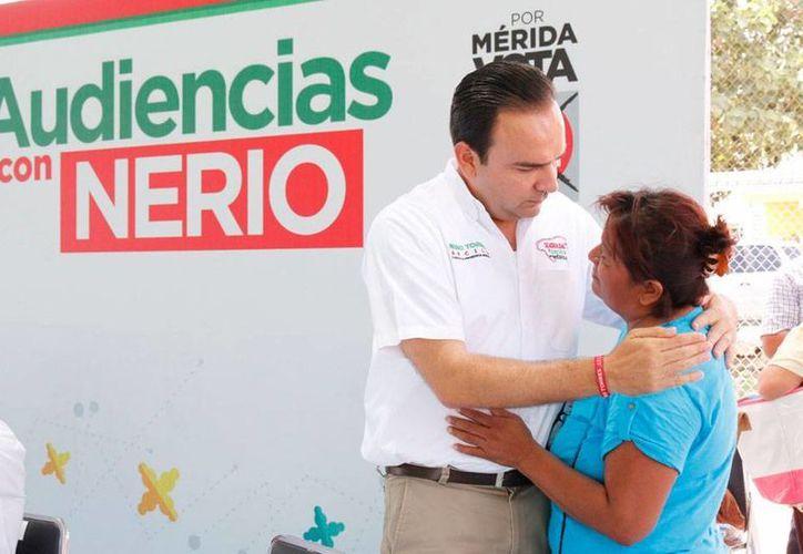 Cercano a la gente, el candidato a la alcaldía de Mérida por el PRI, Nerio Torres Arcila, cerró su campaña con un 'Miércoles de Audiencia'. (Cortesía)