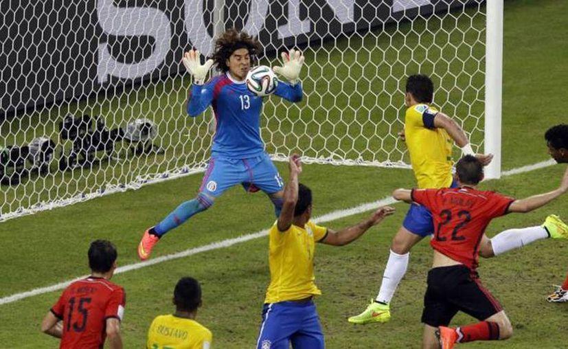 La selección mexicana tuvo especial mención en el informe de FIFA por su actuación en el Mundial Brasil 2014. (Agencias)
