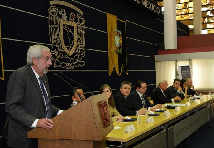 El rector de la UNAM, Enrique Graue, anunció un programa de medidas de apoyo a migrantes.  (Notimex)