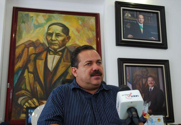 El presidente municipal, Julián Ricalde Magaña, indicó que no hay sanción al no rendir informes. (Tomás Álvarez/SIPSE)
