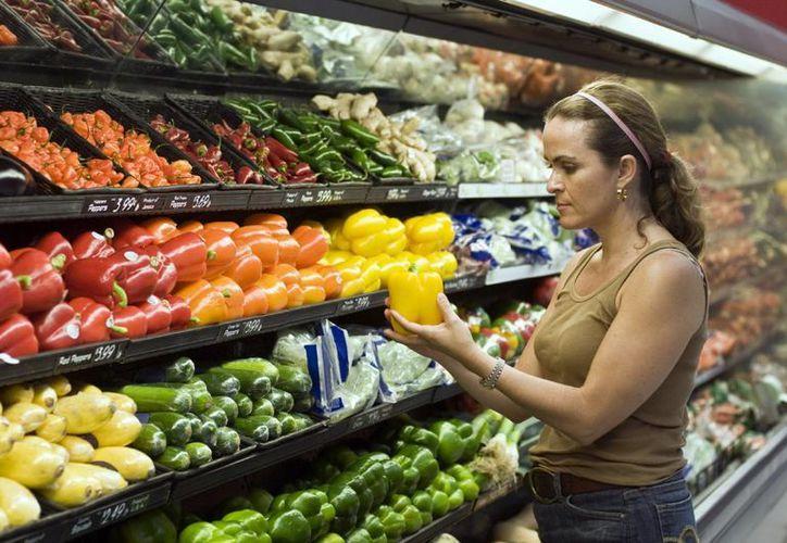 Consumir frutas de temporada ayuda no sólo a la salud sino también al bolsillo. (SIPSE)