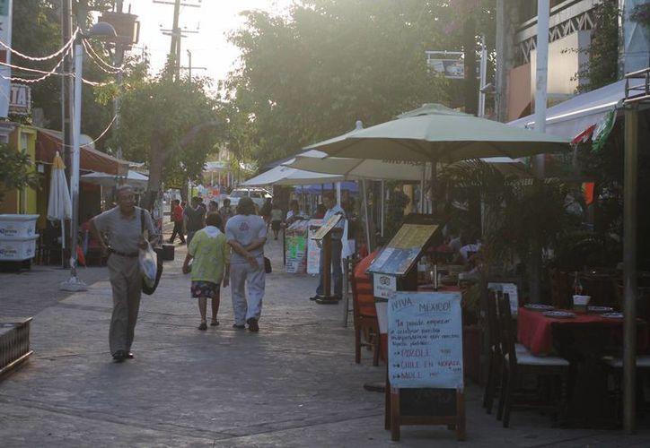 Los negocios que más se inspeccionaron se ubican en el centro de la ciudad. (Redacción/SIPSE)