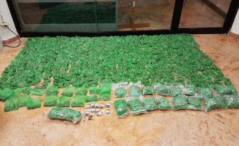 En el operativo se detectó un inmueble donde se guardaban los envoltorios de droga. (Twitter: Policía Federal)
