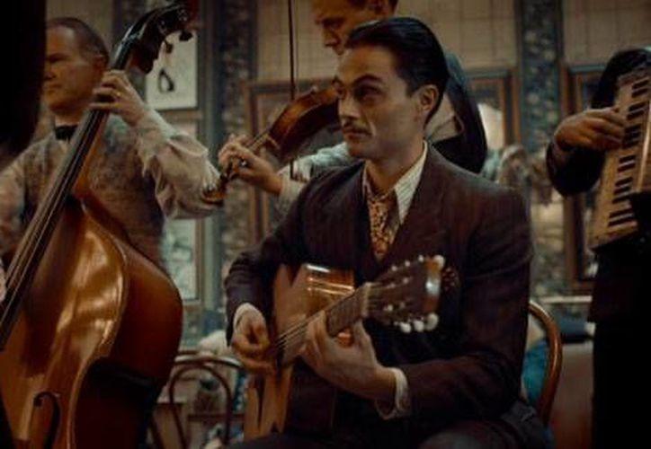 La película francesa sobre el guitarrista de jazz Django Reinhardt será la que inaugure las festividades del Cine en Berlín.(Foto tomada de Milenio Digital)