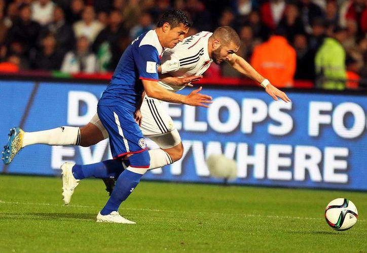 El delantero francés Karim Benzema forma parte del Real Madrid más efectivo de la historia en cuanto a goles y victorias en un solo año. (EFE)