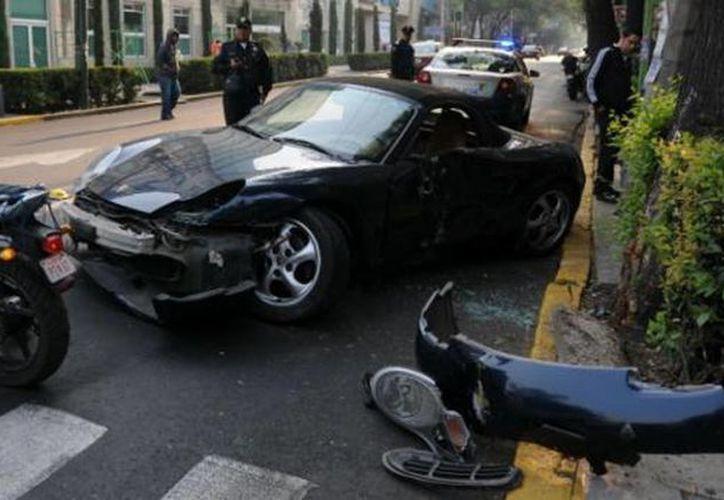 Imagen del vehículo Porsche propiedad de Ortega de la Vega. (Twitter.com/@jeaco_je)