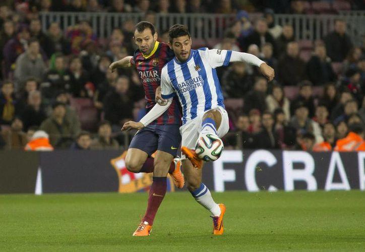 Carlos Vela marcó ante Elche en los minutos 2, 32 y 52 a favor de Real Sociedad en partido de la Liga de España. (Foto de archivo de Notimex)