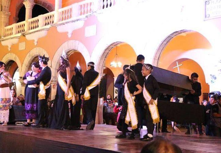 El entierro de Juan Carnaval se realizó este miércoles en los bajos del Palacio Municipal de Mérida. (Jorge Acosta/ SIPSE)