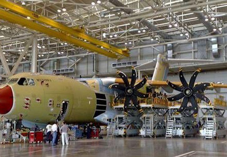 La industria aeronáutica representa cerca de 40 mil empleos en México. (mexicanbusinessweb.mx)