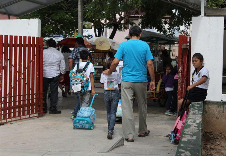 Las actividades escolares de educación básica, media superior y superior, regresan a la normalidad, así como más de 15 docentes de casi dos mil planteles. (Joel Zamora/SPSE)