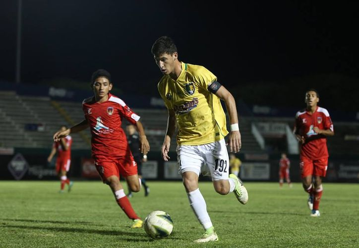 """El yucateco Saúl Ramírez Briceño, mejor conocido como """"El Grillo"""",  fue confirmado como nuevo jugador de los Pumas de la UNAM."""
