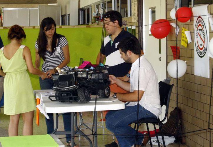 Los conocimientos adquiridos en las aulas son aplicados por los alumnos de diversas universidades para impulsar a las empresas de la localidad y generar mayor desarrollo económico. (Milenio Novedades)