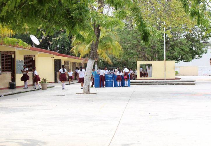 Los planteles educativos, tanto públicos como privados de Playa del Carmen, registran un máximo histórico en inscripciones de alumnos debido al crecimiento poblacional que ha tenido la localidad. (Luis Ballesteros/SIPSE)