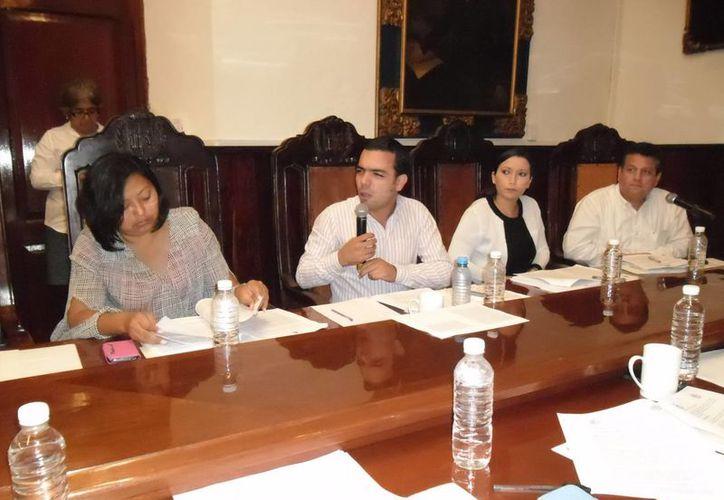 Regidores en la sesión de Cabildo en Mérida realizada el sábado. (SIPSE)