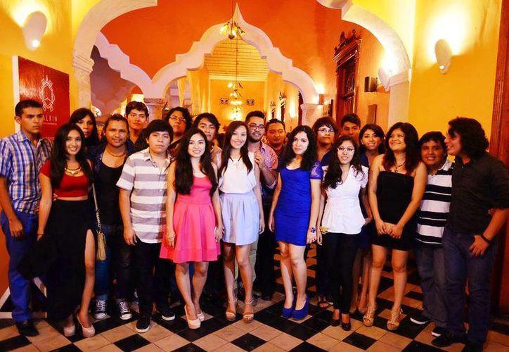 Estudiantes de la UMSA que participan en la muestra Balkín. (Milenio Novedades)