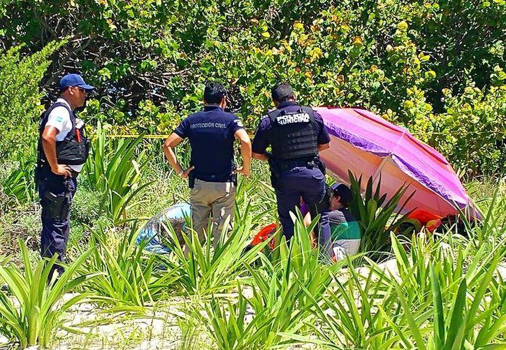 El turista guatemalteco murió tras caer en un predio en playa, luego de que su paracaídas no se abrió. (Redacción)