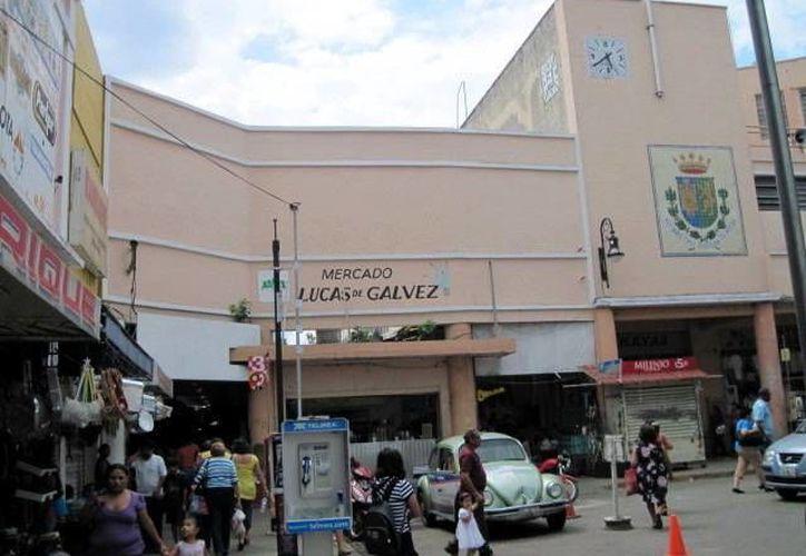 Ayuntamiento pretende poner en orden los mercados municipales. (Milenio Novedades)