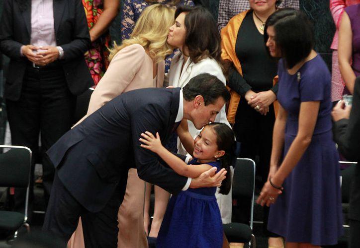 El Presidente asegura que su gobierno da importancia al proceso de empoderamiento de las mujeres mexicanas. (Notimex)