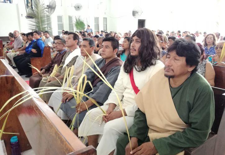 Con la celebración del Domingo de Ramos inicia la Semana Santa. (Daniel Tejada/SIPSE)