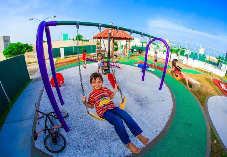 Fueron rehabilitados 94 parques en Playa del Carmen y 2 en Puerto Aventuras. (Foto: Redacción)