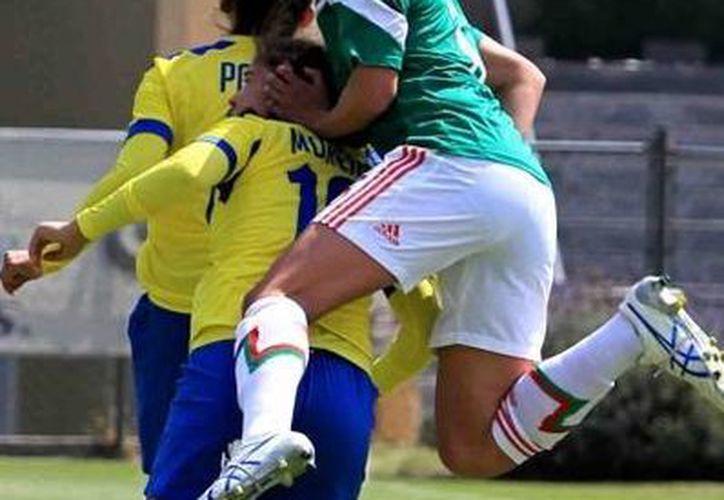 Se presenta la Liga de Fútbol Femenil en el sector Amateur. (Fotografía: Notimex)