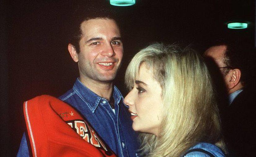 Juan Tarodo con Martha Sánchez en 1990, en Abu Dabi, durante una gala navideña. (EFE)