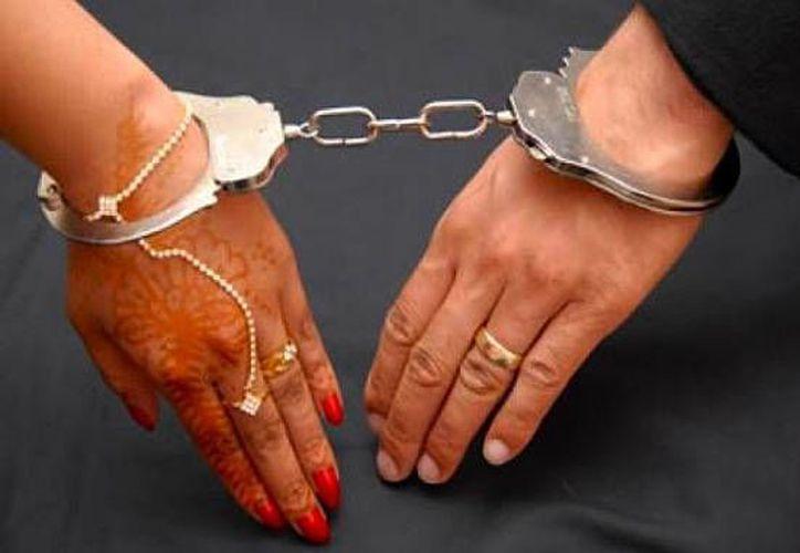 """La ministra del Interior británica, Theresa May, dijo que los matrimonios forzados """"son una tragedia para cada una de las víctimas"""" de esa práctica. (buendiario.com)"""