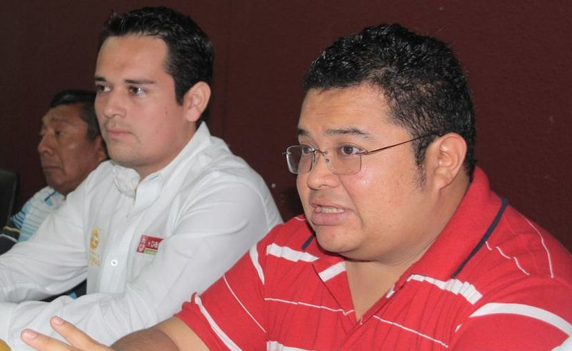 José Luis Chacón Méndez y Francisco Reyes Novelo, presidentes del PRI y PVEM, respectivamente. (Julián Miranda/SIPSE)