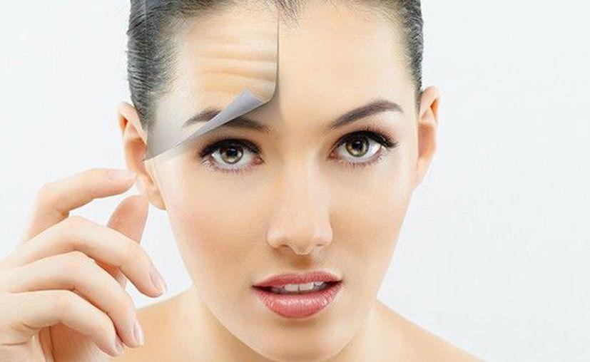 La cara debe estar completamente limpia y libre de maquillajes. (Internet)
